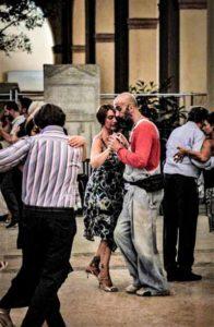 foto-tango-per-emergency-palazzo-musei-modena