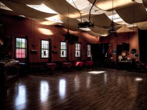 sala per i corsi di tango a modena - circolo gardel